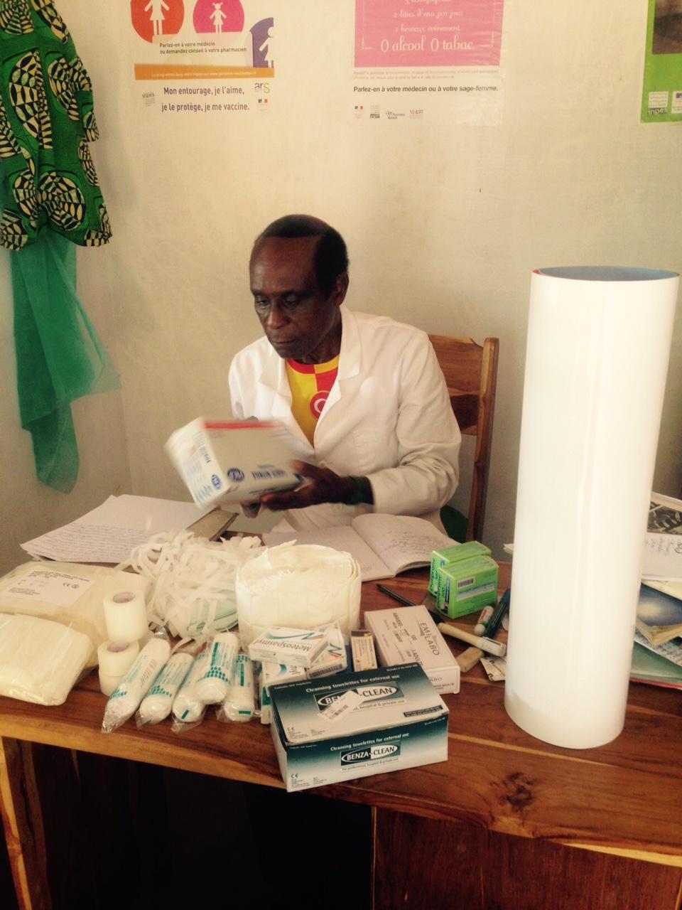Médicaments pour l'infirmerie NouKou