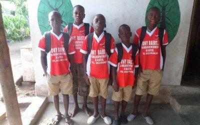 Mission scolarisation : Achat de livres pour 5 enfants