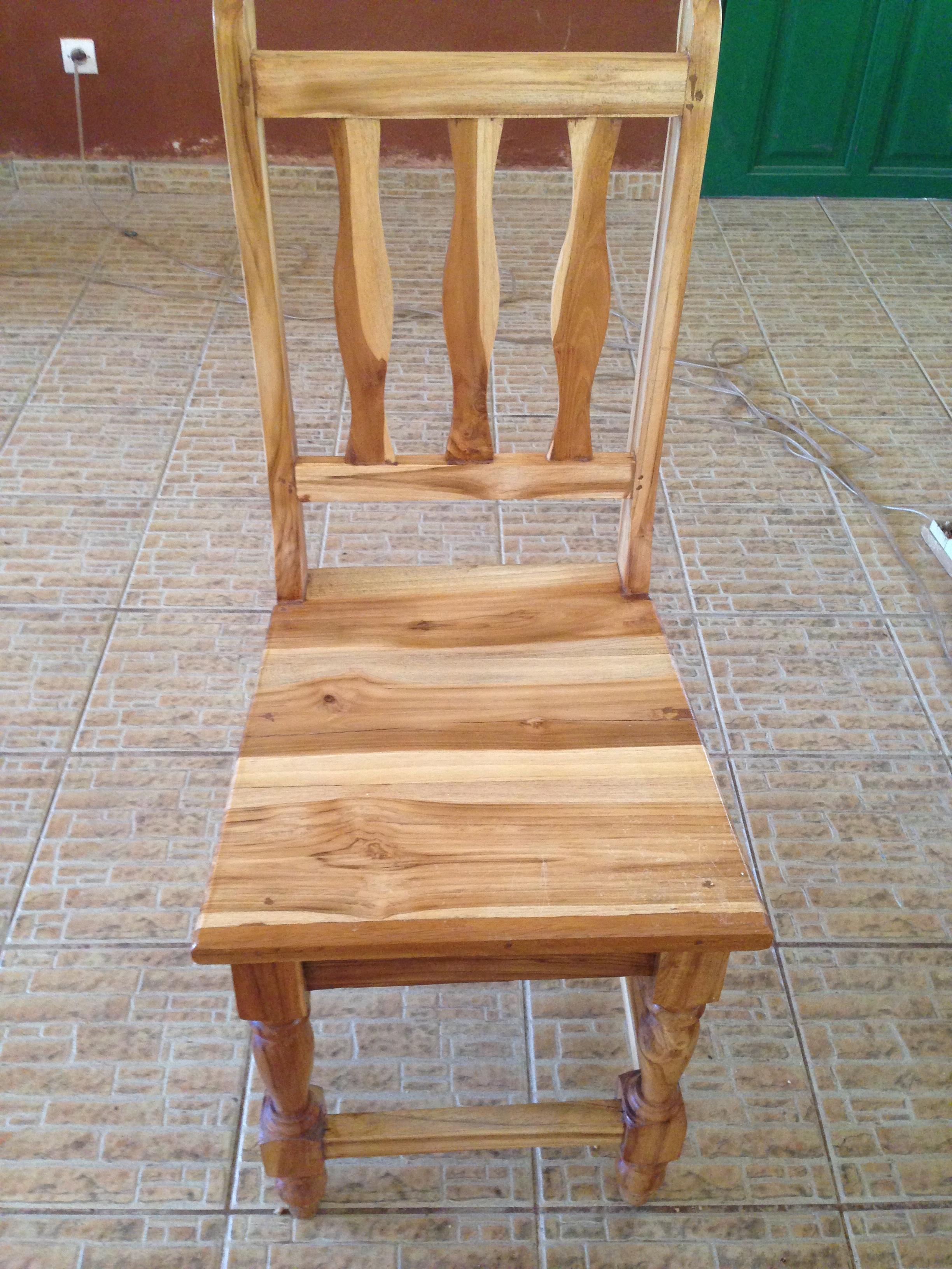 Mission aménagement : chaises (Avril 2014)