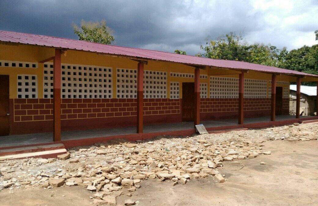 Août-Septembre 2019 – Rénovation de l'école de Kolokopé